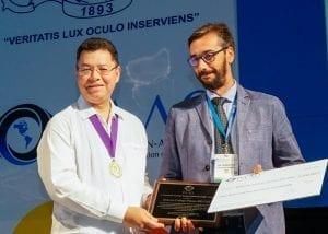 Dr. Gallego-Pinazo recieves first J. Fernando Arevalo YO Award