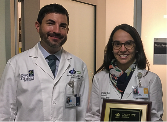 .  In the photo, Dr. Marina Roizenblatt -from Brazil- and me, enjoying a small break from surgery with Dr. Arevalo.
